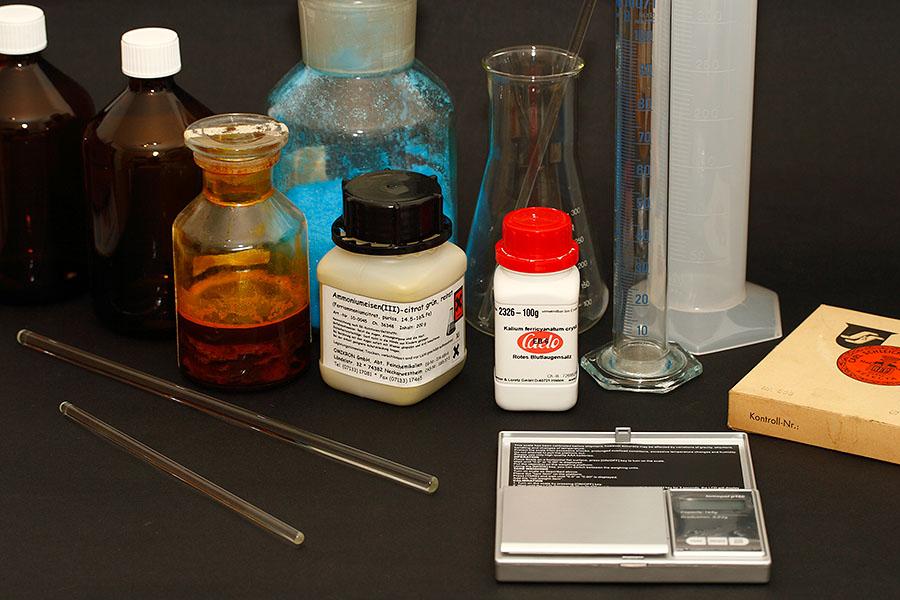 Chemikalien und Geräte